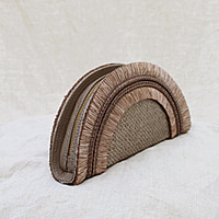 Formentera Rounded Clutch